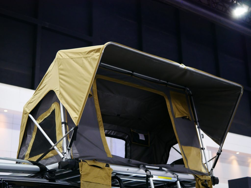 advantages and disadvantages of roof tent camping